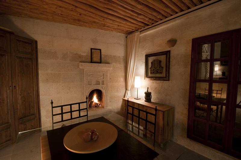 Wohnküche der Suite Asmali Odalar, ASMALI CAVE HOUSE Höhlen Hotel in Kappadokien, Türkei