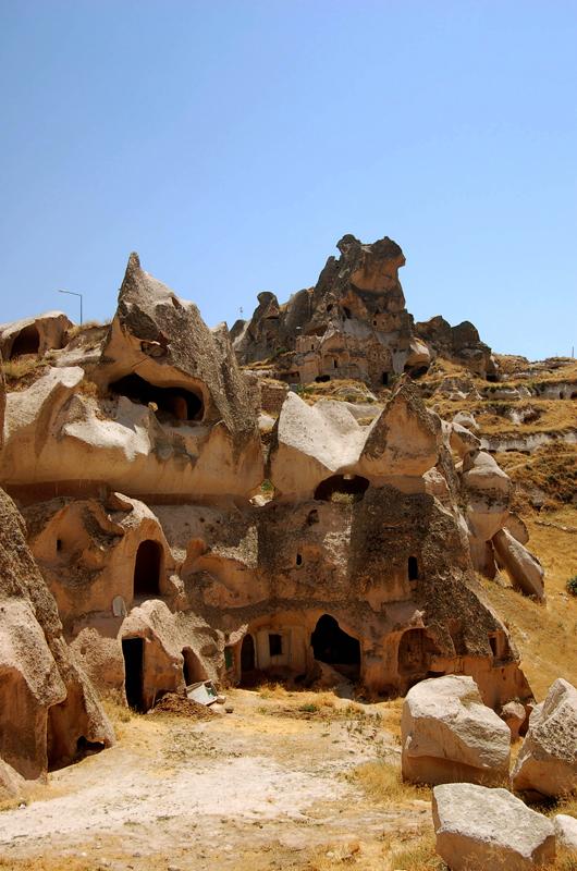 Foto: Feenkamin in Uchisar in Kappadokien, dem Märchenland im Herzen der Türkei
