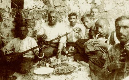 Foto: Männer aus Uchisar in Kappadokien, Türkei / Alte Fotografie