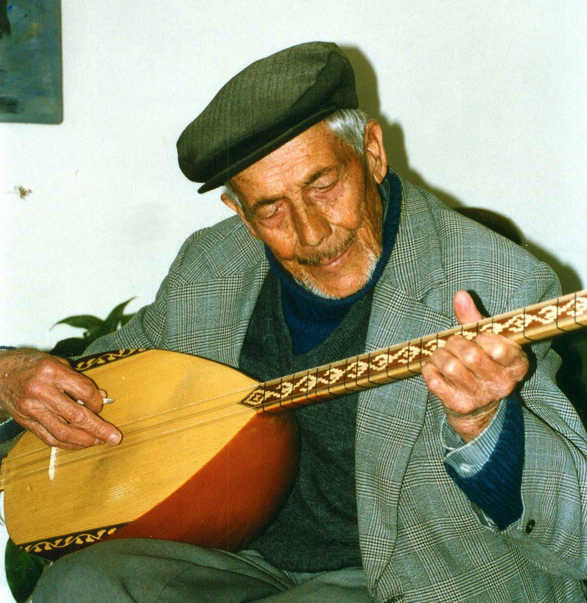 Photo: Old Man from Uchisar, Cappadocia, playing Saz
