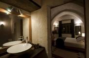 Foto: Badezimmer der Suite Asmali Odalar - Kleines Höhlenhotel ASMALI CAVE HOUSE  in Kappadokien, Türkei