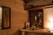 Foto: Küche der Suite Asmali Odalar - Kleines Höhlenhotel ASMALI CAVE HOUSE  in Kappadokien, Türkei