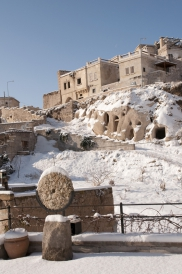 Foto: Winter - Blick von der Terasse der Suite Asmali Odalar - Kleines Höhlenhotel ASMALI CAVE HOUSE  in Kappadokien, Türkei