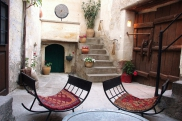 Photo: Inner Yard of Suite Şırahane ASMALI CAVE HOUSE Small Cave Hotel in Cappadocia, Turkey