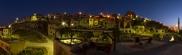 Foto: Burgberg, Dorf Uchisar - Nachtblick auf die Terasse der Suite Sirahane ASMALI CAVE HOUSE Kleines Höhlen Hotel in Kappadokien, Türkei