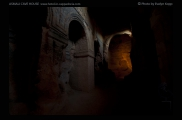 Foto: Licht und Dunkel | Özkonak | © Evelyn Kopp | ASMALI CAVE HOUSE | Höhlenhotel in Kappadokien, Türkei